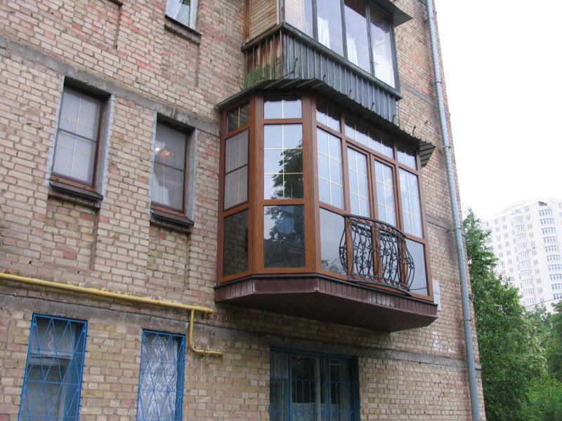 Французский балкон в частном доме и хрущевке: 3 варианта кон.